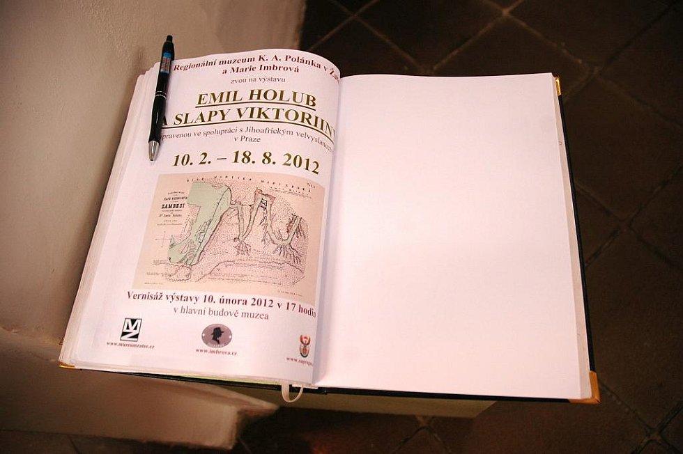 Za Emilem Holubem se vydejte do Žatce.