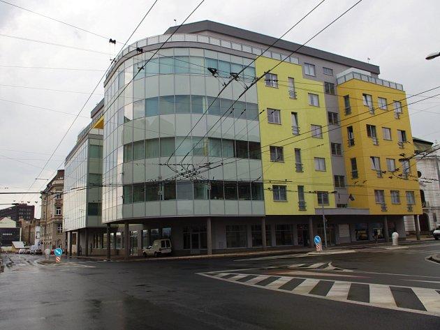 Dotační úřad opustí pronajaté prostory v domě vedle ústeckého divadla. Platil za ně přes 10 milionů korun.