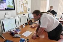 Martin Novák na meteorologickém pracovišti na Kočkově