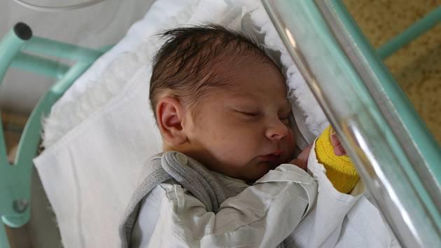Marek Kopecký se narodil Martině Kopecké z Ústí nad Labem 31. října ve 2.30 hodin v Ústí nad Labem. Měřil 51 cm, vážil 3,38 kg