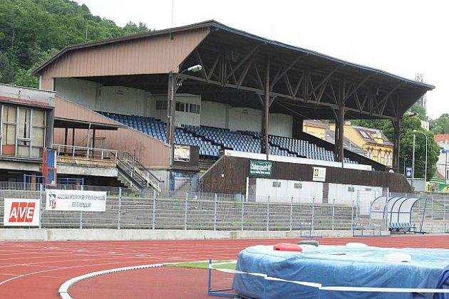 Fotbalová tribuna v Ústí projde rekonstrukcí.