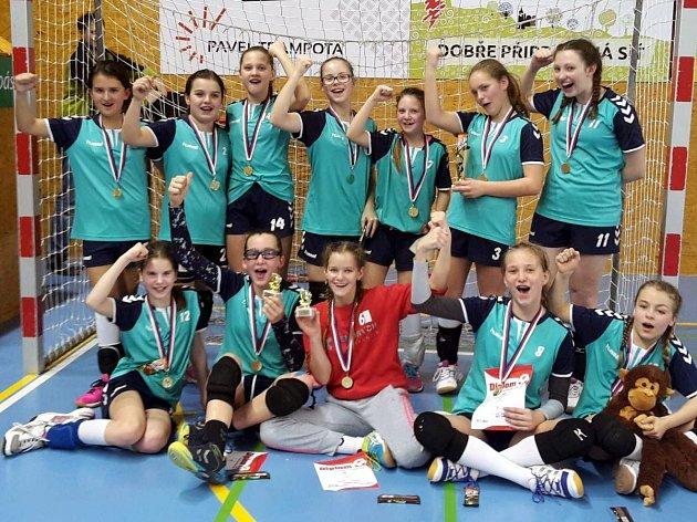 Mladé ústecké házenkářky ovládly turnaj v Příbrami.