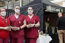 Káva zdravotníkům v ústecké nemocnici chutnala.
