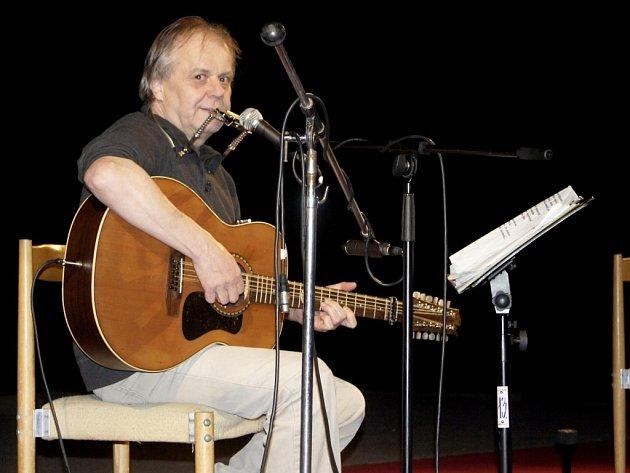 V pořadu Kulturního střediska města Ústí vystoupil i Vlastimil Třešňák.