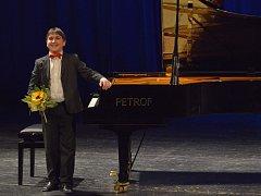 Virtuosi per musica di pianoforte v Severočeském divadle v Ústí.
