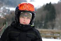 Zájemců o lyžování v Malečově je dost, sněhu méně.