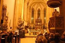 Půlnoční mše v ústeckém kostele Nanebevzetí Panny Marie.