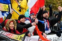 Fanoušci lemují bobovou dráhu v Altenbergu.
