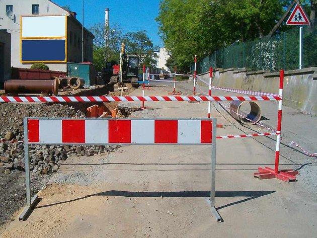 Ulice Karla IV. na Střekově je uzavřena