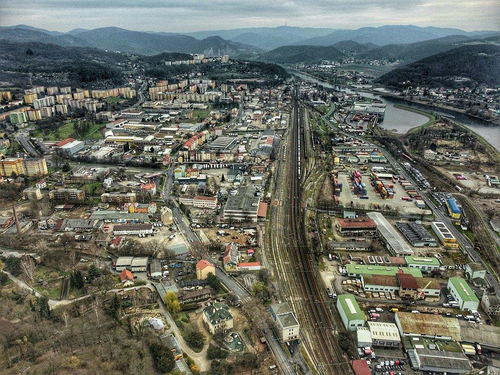 Podívejte se, jak vypadá krajské město z ptačí perspektivy. Na snímku je pohled na Krásné Březno.