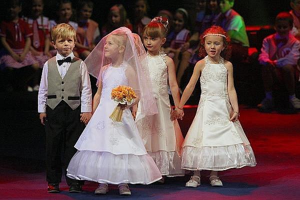 Krása pomáhá dětem i v ústeckém divadle.