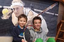 Tenista Jakub Patyk (vpravo) s bratrem.