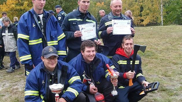 Ze závodu v požární všestrannosti si hasiči odnesli ocenění