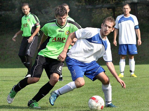 Fotbalisté Trmic (vpravo Tahal). Ilustrační foto.