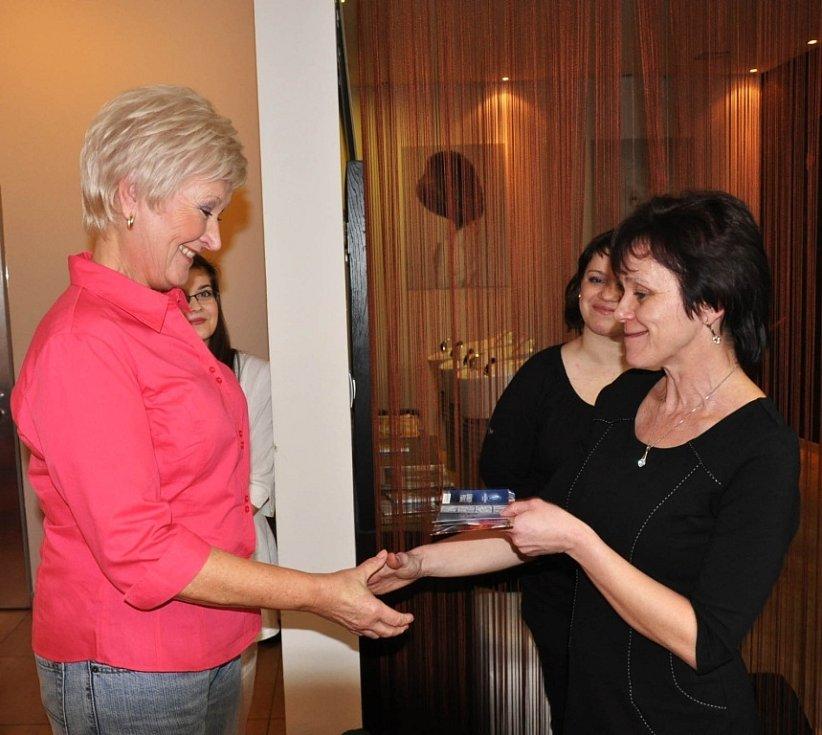 Vítězka Helena Stesková (vlevo).