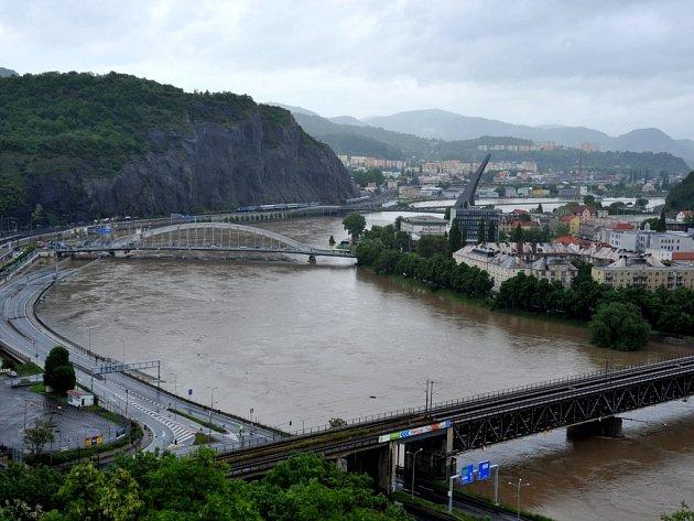 Povodně na snímcích z Větruše.