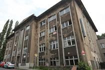 Budova Vrbenského lázní byla neúspěšně privatizována a posledních dvacet let postupně chátrala.