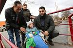 Dva muži zachránili topící se malou holčičku v Mlýnském potoku v Trmicích.