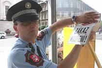 Zákaz kouření platí i na zastávkách