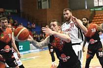 Suverén. Basketbalisté Nymburka vyhráli další zápas nadstavby, na své palubovce porazili mužstvo Ústí nad Labem 101:79.