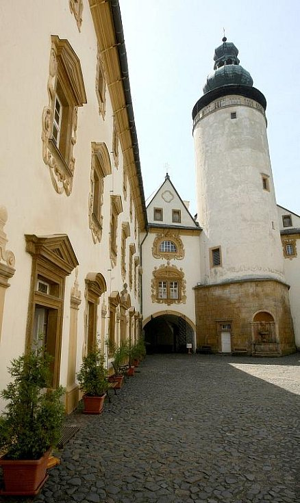 Návštěvu zámku v Lemberku spojte s cestou do Jablonného v Podještědí a do tamní baziliky.