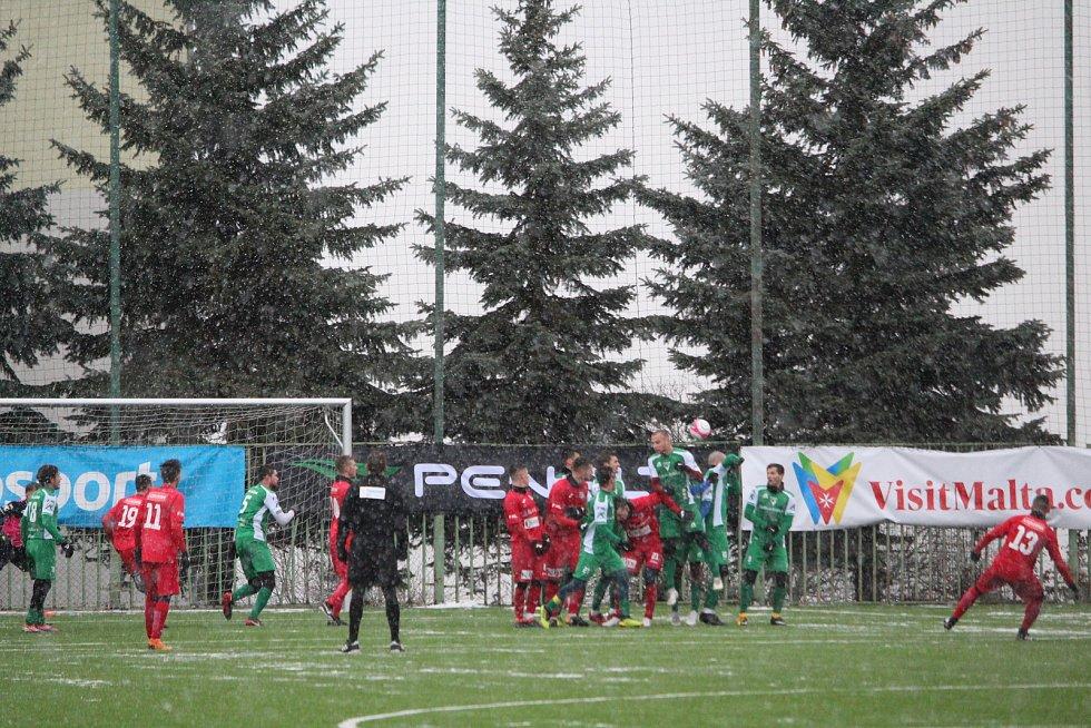Šimon Šmehýl (13) střílí gól na 2:1. Vlašim - FK Ústí, Tipsport liga 2019, skupina Xaverov - Horní Počernice, Praha