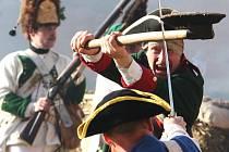 Podobných šarvátek mezi útočícími pruskými vojáky a habsburskými obránci se musely na bitevním poli u Nakléřova odehrát desítky.