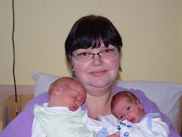 Daně Mariutové, se narodili v ústecké porodnici dne 12. 2. 2013 (5.48) syn Michal, měřil 41 cm a vážil 1,89 kg a (5.49) syn Lukáš, měřil 45 cm a vážil 2,4 kg.