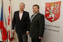 Ministr vnitra Milan Chovanec a ústecký primátor Vít Mandík.