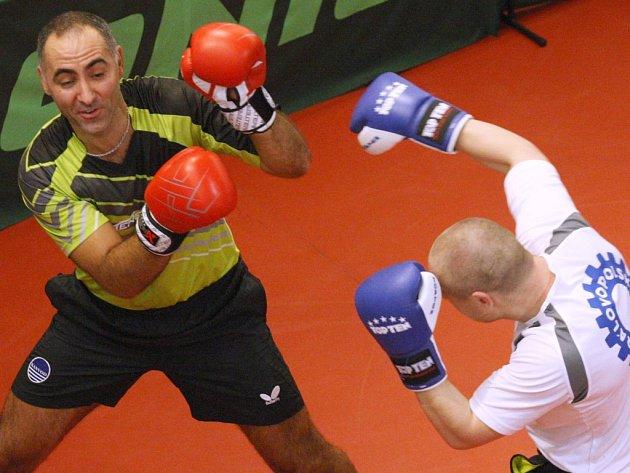 Před třemi lety se diváci skvěle bavili, viděli i exhibiční boxerský Petra Korbela s Lukášem Konečným.