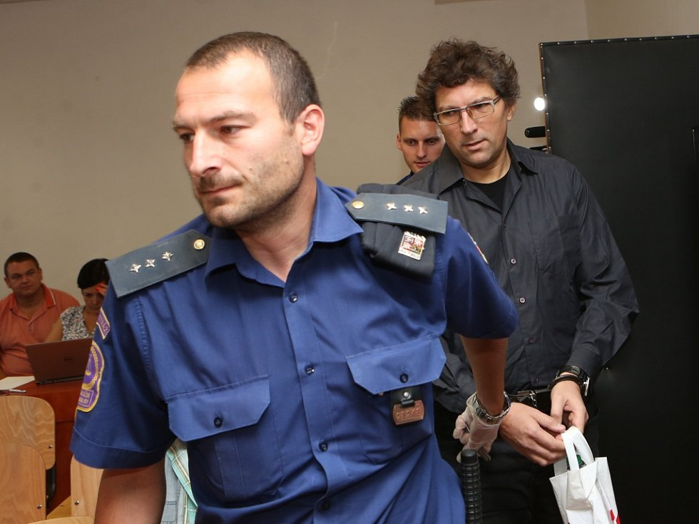 Zdeněk Pfeifer u ústeckého krajského soudu.