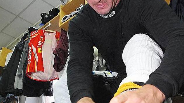 MILOSLAV GUREŇ. Zkušený hokejový obránce, který hrál i NHL, se v litvínovské kabině moc neohřál. Už je v Ústí.