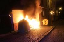 Požár kontejneru v ulici Stará v Ústí nad Labem.