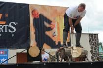 Třísky budou létat v sobotu 26. září ústeckým Letním kinem na velké zábavné dřevorubecké soutěži.