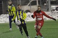 Fotbalové utkání Ústí a Litoměřice, zimní příprava. Fotbalisté Litoměřicka (v modrožlutém) proti Ústí nad Labem