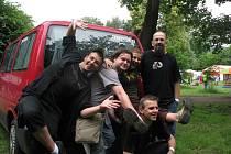Stereobeat loni hráli i na trmické benefici Útulek fest, podpořili i opuštěné psy.