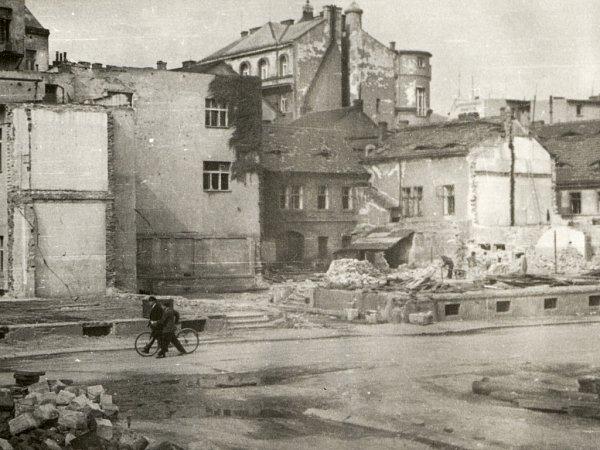Takhle vypadalo Předmostí po bombardování vroce 1945.