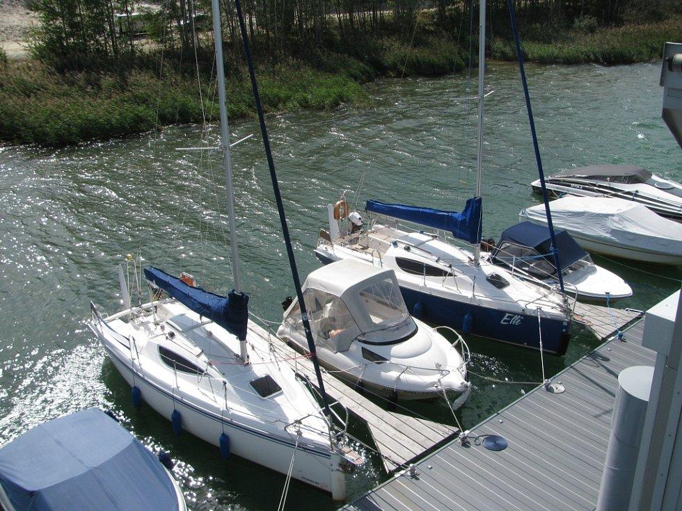 Kotviště plachetnic a člunů.