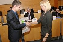 První cenu si odnesla primátorka Ústí Věra Nechybová, druhé byly Litoměřice. Cenu si převzal místostarosta Pavel Grund. Třetí místo patří městu Děčín a převzala si ho primátorka Marie Blažková.