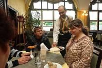 Restaurace na výletním zámečku Větruše v Ústí nad Labem obnovila provoz.
