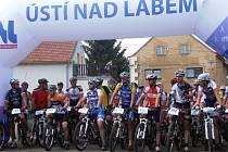 Mnozí z návštěvníků závodu nebyli ani nadšení cyklisté.