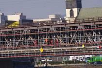 Oprava železničního mostu proběhla na začátku letošního roku. Je možné, že se jedovaté látky dostaly do Labe během ní.