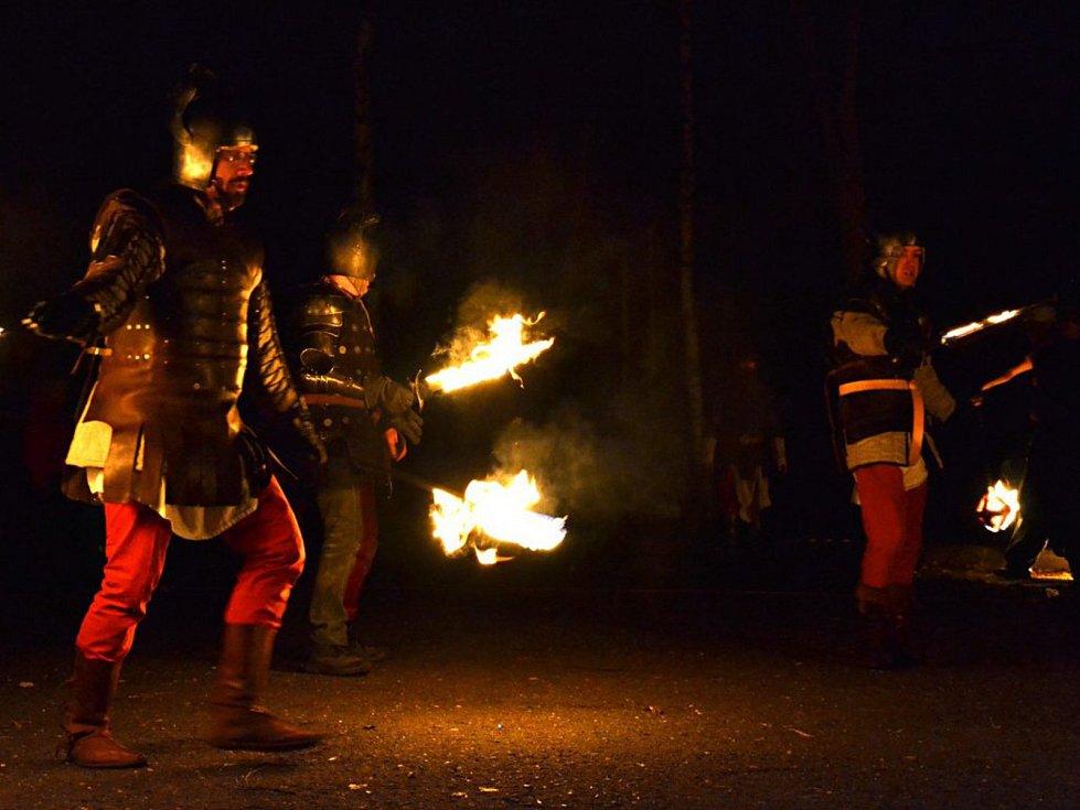 V sobotu proběhla v Chlumci rekonstrukce vzpomínkové bitvy z r. 1126 o české knížectví mezi českými knížaty Soběslavem I. a  Přemyslovcem Otou II. Olomouckým.