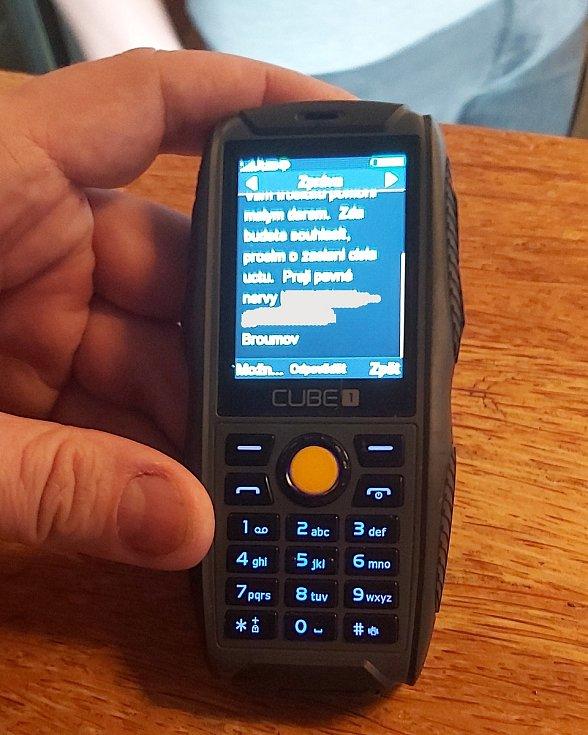 Majitel restaurace Veranda na Klíše v Ústí nad Labem obdržel SMS s nabídkou finanční pomoci z Broumova.