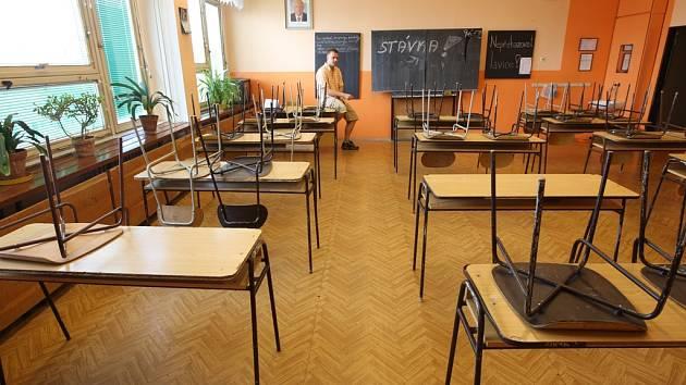 Do stávky škol se zapojili také učitelé ze Základní školy Stříbrnická včetně učitele matematiky Martina Karhana