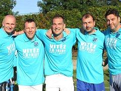 Fotbalisté Chuderova (bílé dresy) porazili V. Šenov 10:6 a slaví triumf v B třídě!