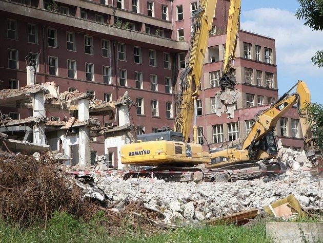 Budova A v univerzitním kampusu padne do 7. října.