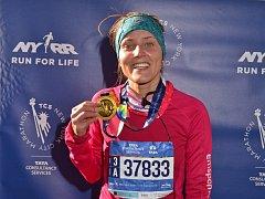 Zuzana Hofová, angličtinářka z Ústí, zlomila v New Yorku svůj rekord.