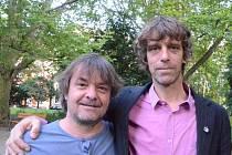 Antonín Moravec a písničkář Justin Lavash.