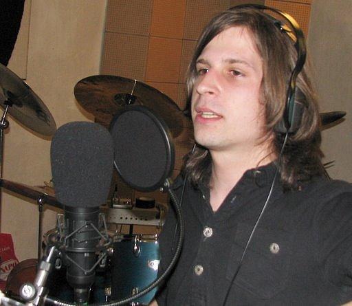 Zpěvák z X-left nazpíval s Toxic People písničku Burn the bridges.